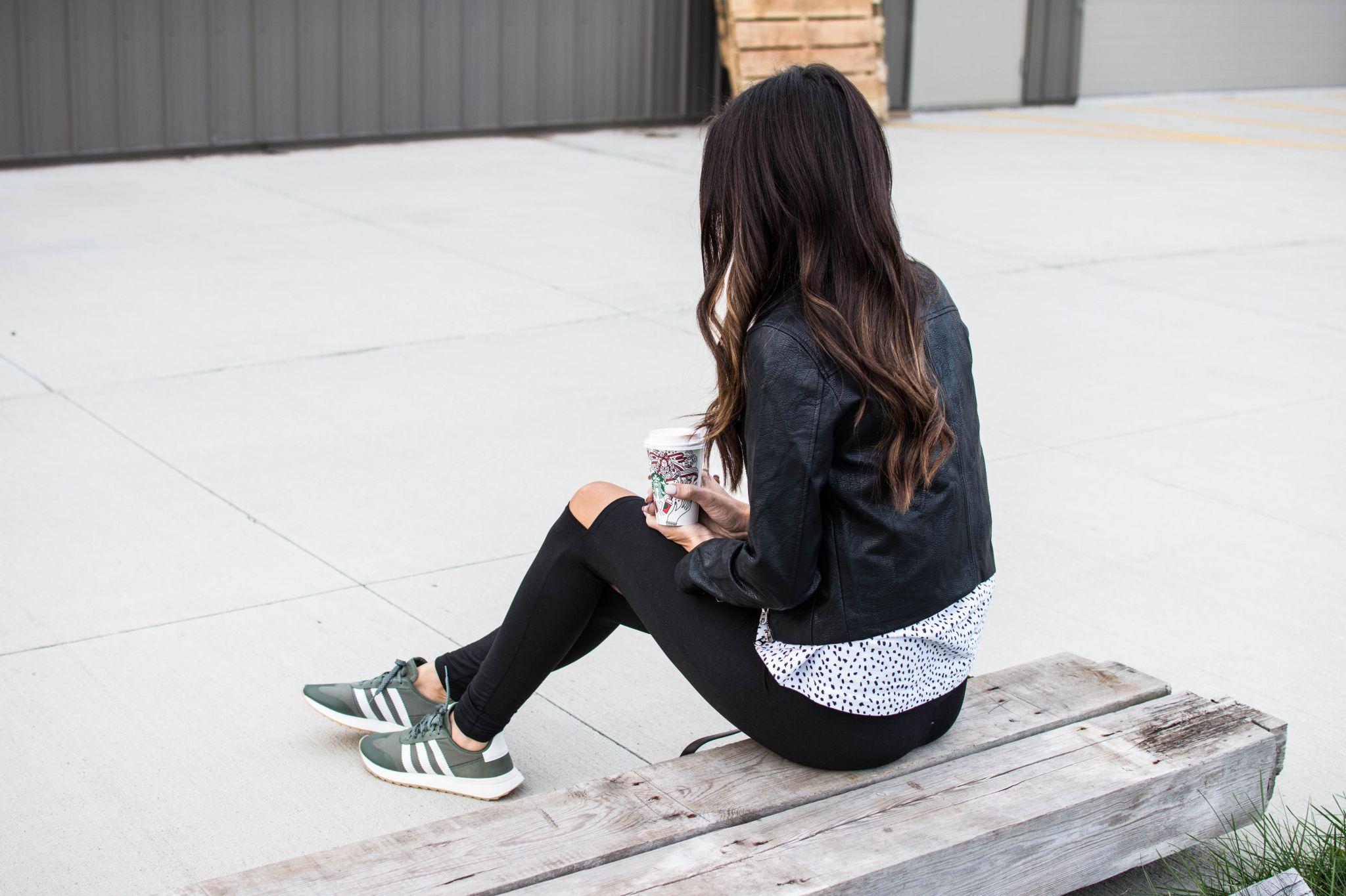 sitting adidas 3
